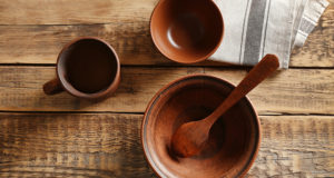 Switching to Wooden Dinnerware